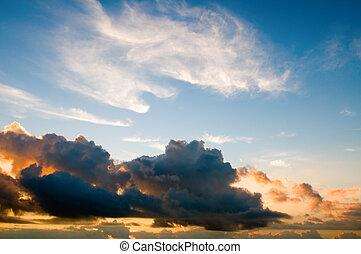 Sunset sky - The daybreak sky background
