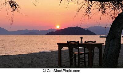 """Sunset timelapse, sun setting warm evening, day to night """
