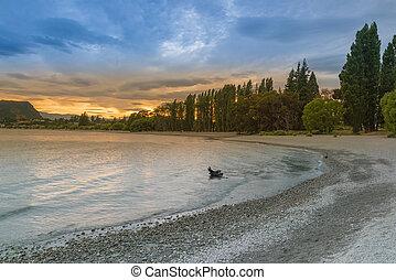 Sunset tone at Wanaka lake, New Zealand