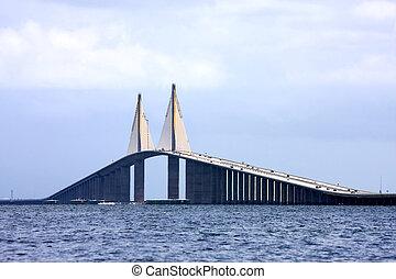 Sunshine Skyway Bridge in Florida\\\'s Tampa Bay