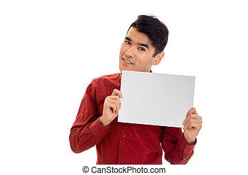 suo, cartellone, moda, isolato, giovane, t-shirt, sfondo rosso, mani, ritratto, bianco, vuoto, uomo