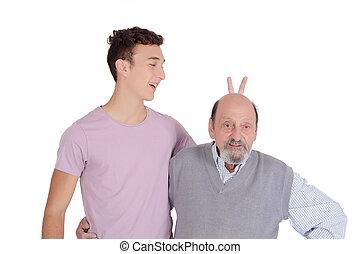 suo, nipote, scherzare, nonno, orecchi coniglietto
