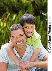 suo, padre, giardino, abbracciare, figlio