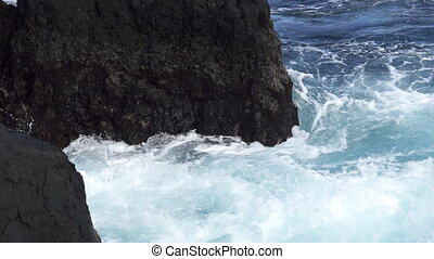 Super slow motion of eddy near volcanic rocks - Super slow...