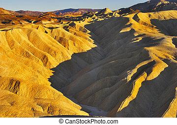 superficial, canyon.