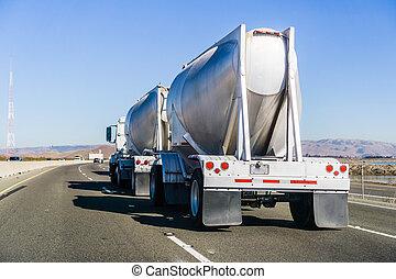 superstrada, camion autocisterna, guida