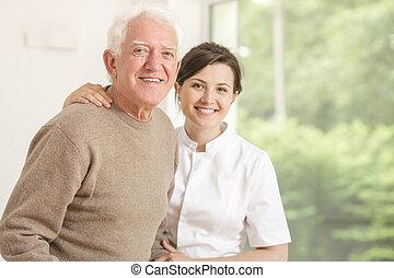 suportar, hospitalar, branca, idoso, uniforme, enfermeira, sorrindo, amigável, homem