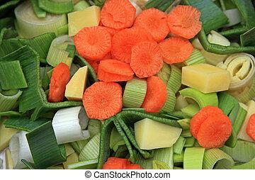 Suppengemuese - geschnitten