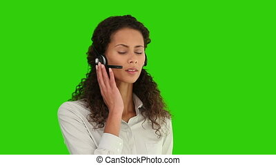 sur, casque à écouteurs, femme américaine, parler