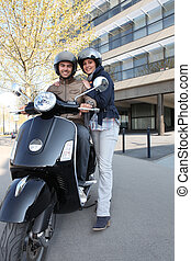 sur, cavalcade, scooter, couple