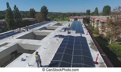 sur, chapeau dur, business, solaire, toit, inspection, vue, panneau, complexe, aérien