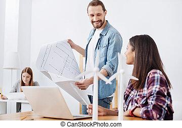 sur, motivé, bavarder, eco, projet, leur, vif, détails, ingénieurs