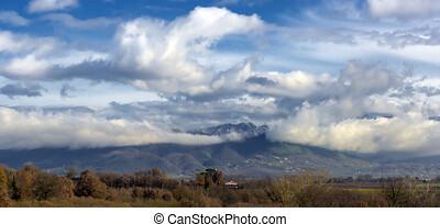 sur, petit, montagnes, nuages