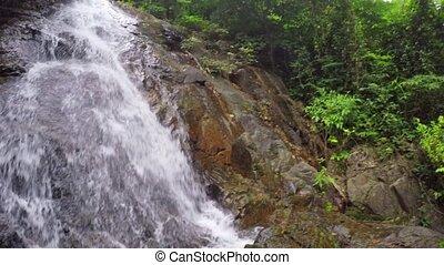 sur, rochers, exotique, personne, chute eau, suivre, premier, vue