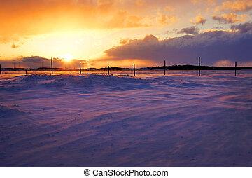 sur, snowbank, coucher soleil