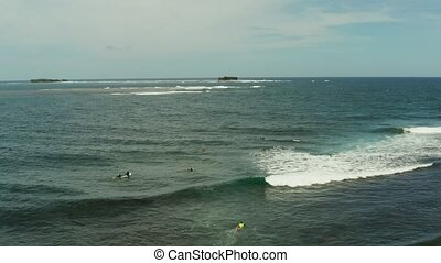 Surf spot on the island of Siargao called cloud 9. - Surf...