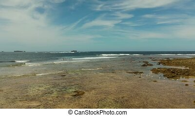 Surf spot on the island of Siargao called cloud 9. - Surfers...