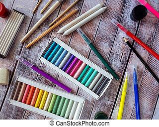 surface., ferramentas, criatividade, fundo, outro, pastels, canetas, coloridos, felt-tip, desenho, madeira