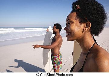 surfbräda, strand, lycklig, stående, surfarear, ung