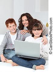 surfer, enfants, internet, mère