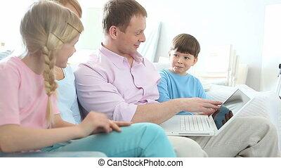 surfer, famille, internet