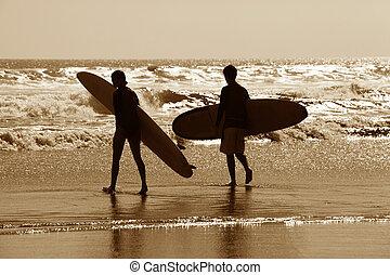 surfers, en, un, litoral