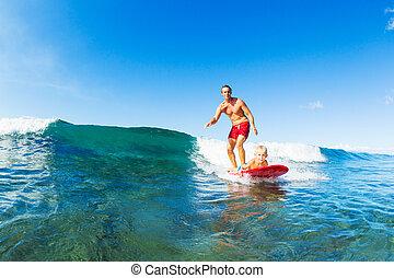 surfing, ojciec, razem, syn, jeżdżenie, machać