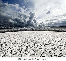 surreal, nublado, dream-scape, y, suelo agrietado
