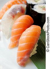 sushi, japonais nourriture, quotidiennement