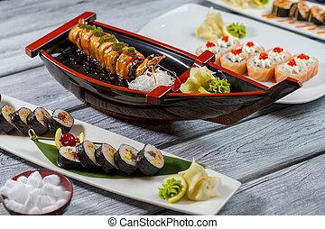 sushi, plates., barca