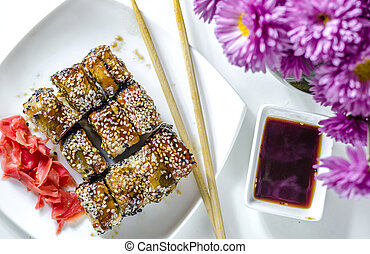 sushi roles japanese delicious food