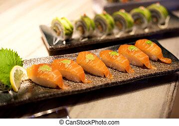 sushi, salmone, piatto da portata