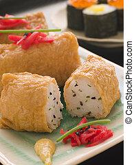 sushiplatte, tofu, beutel, mit, rotes , marinierter ingwer