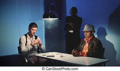 suspect, projection, lui, détectives, criminel, interrogation, evidences, offenseur
