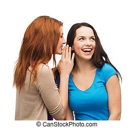 sussurrio, pettegolezzo, sorridente, ragazze, due