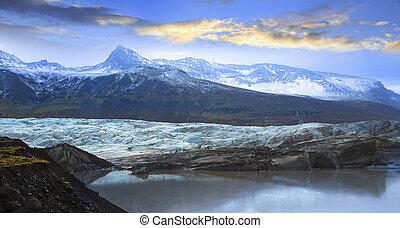 Svinafellsjokull, Svinafell Glacier, Iceland