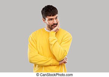 sweatshirt, człowiek, młody, smutny, żółty, myślenie