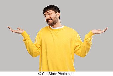 sweatshirt, verwirrt, zucken, gelber , mann
