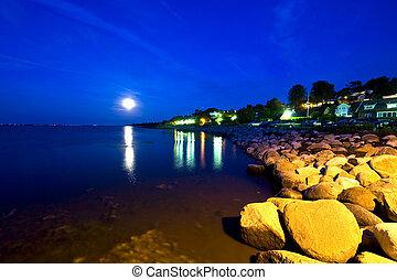 Swedish Coastline - Moonrise over the South Swedish ...