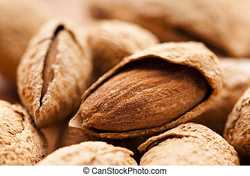 Sweet almonds with kernel