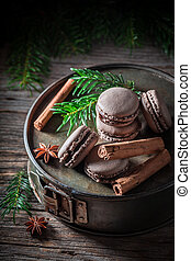 Sweet macaroons for Christmas with cinnamon and anise