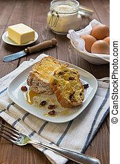 Sweet raisin bread - Sweet bread with raisin and honey in a...