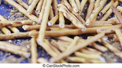 On a scattering of bread crumbs in bulk sweet straw