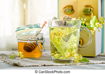 Sweet tea with honey for flu