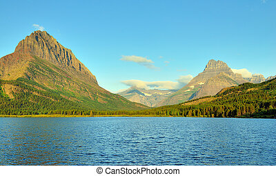 swiftcurrent lake in Glacier National Park in summer