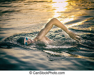Swimmer breathing during swimming crawl