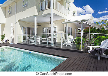 Swimming pool and entertaining area - Stylish swimming pool...