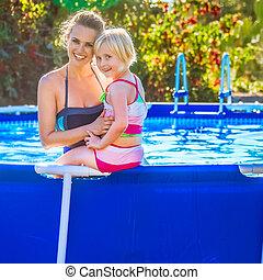 swimwear, enfant, piscine, natation, sain, mère, sourire