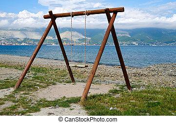 Swing on to coast Tsemes Bay