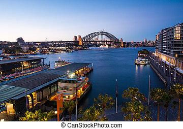 Sydney Harbour At Dusk - Boat traffic around Circular Quay ...